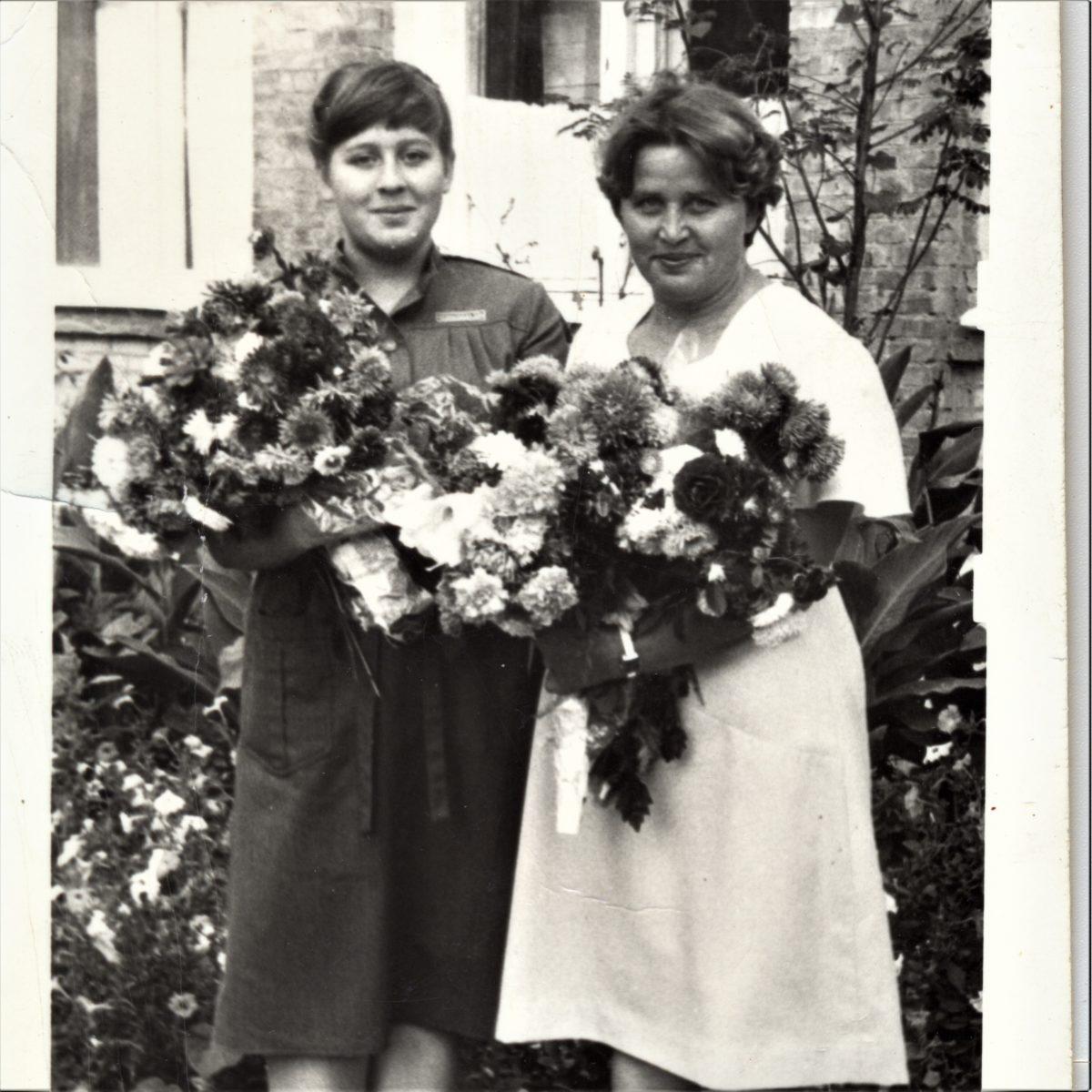 Мои мама и бабушка 1 сентября 1984 года, школа №20, Таганрог
